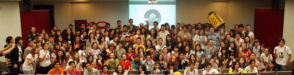 Grupo de alumnos en la conferencia del Tec de Monterrey