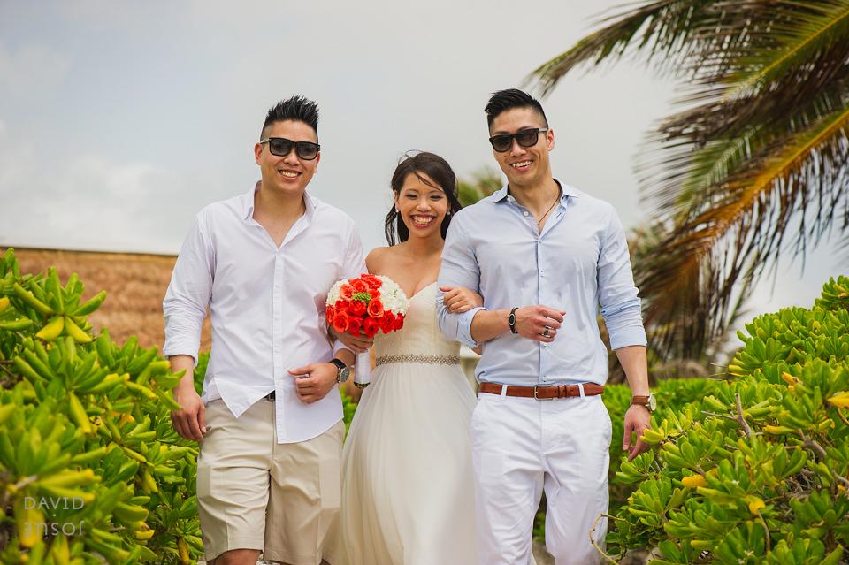 bride-and-brothers-riviera-maya-wedding