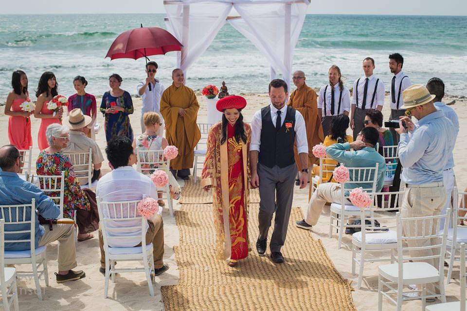 bride-groom-down-the-aisle