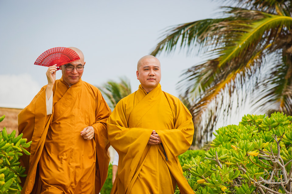 buddhist-monks-riviera-maya-ceremony