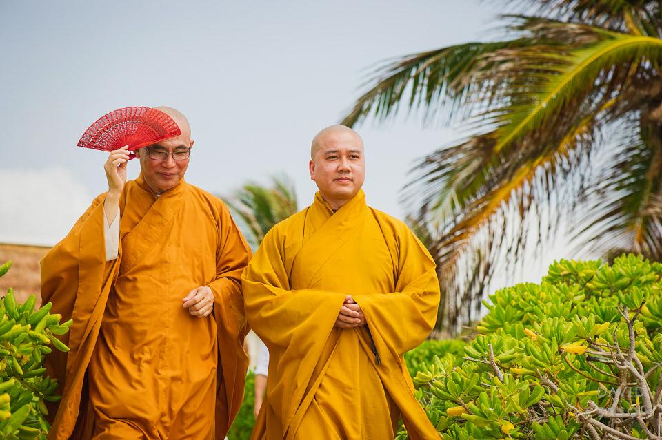 buddhist-monks-riviera-maya-ceremony