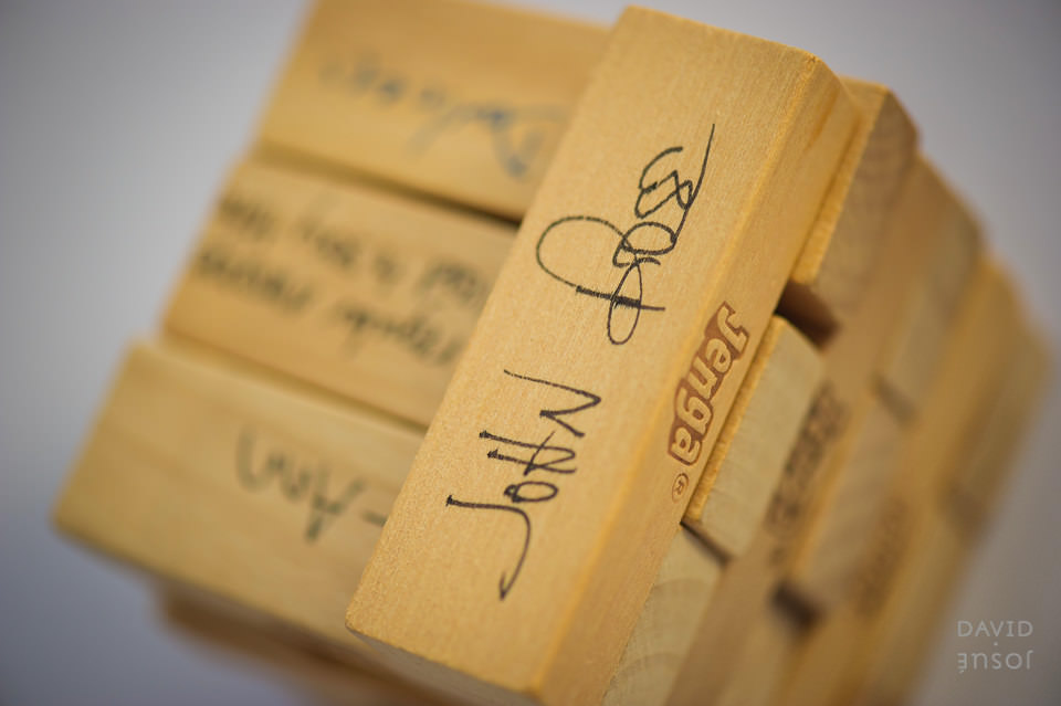 jenga-guestbook-wedding-idea