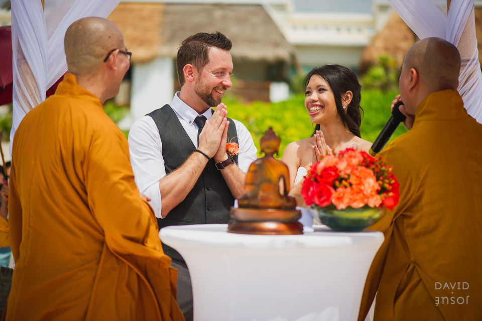 wedding-ceremony-by-buddhist-monks