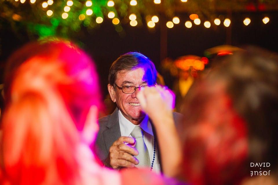 party-fun-parque-la-joya-wedding